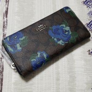 Coach Accordion Zip Wallet With Jumbo Floral Print